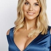 GFE dinner date escort london sexy blonde 34C Elaine