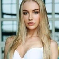 petite London escort in Belgravia slim blonde girl Julia