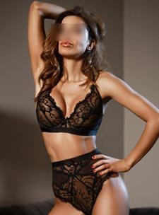 Best reviewed escorts in London elite expensive 34D Aysha