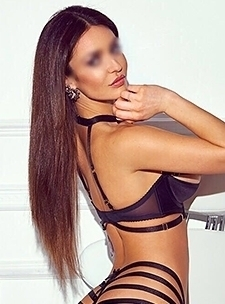London Busty Latin Escort Girl Elena - VIP Girls at Aprov