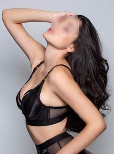 South Kensington escorts london big boobs VIP high class elite Luisa