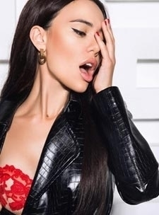 Elite London escort earls court  high class GFE expensive Valeria