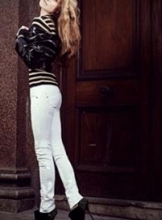 London Slim - Blonde Escort Cherish