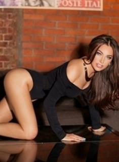 london-slim-brunette-london-escort-girl-lera