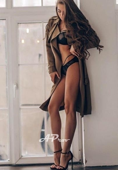 elite escort supermodel GFE international girl Victoria