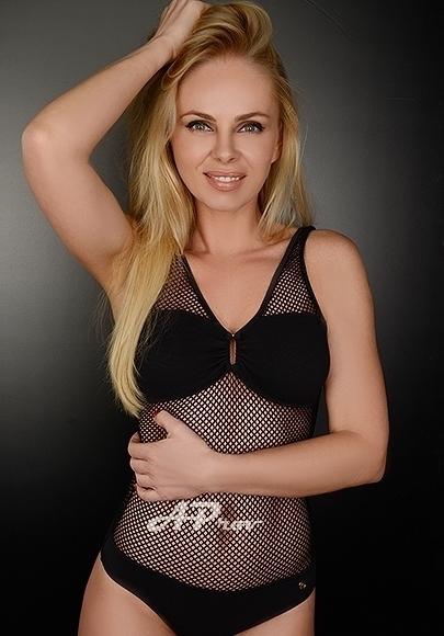 London Estonian Petite Slim Blonde Escort Justine