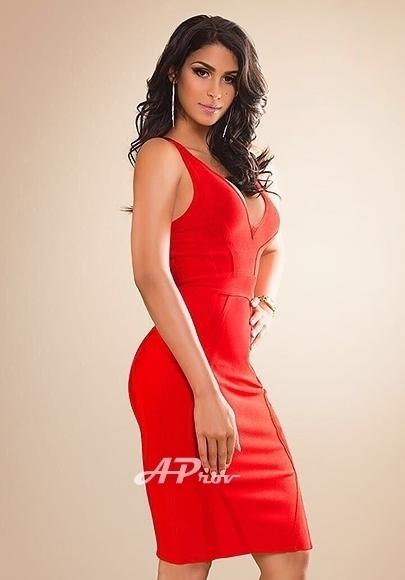 busty latin london escorts mayfair hot sexy GFE Livia