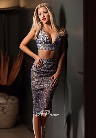 sexy blonde mayfair W1 incall brooke