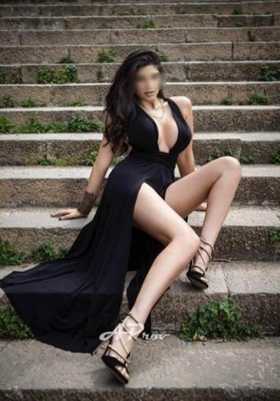 busty escorts london elite girls high end expensive Marilyn