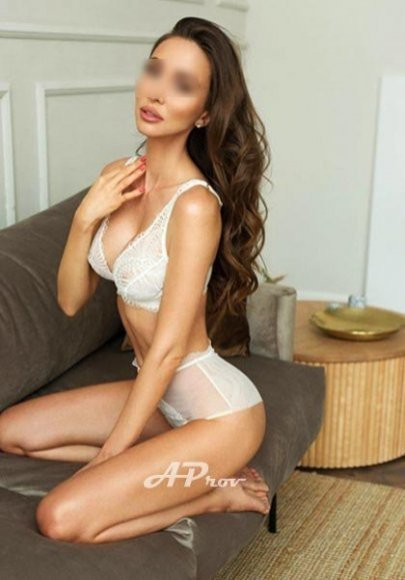 elite london escorts 32C supermodel VIP girl RITA