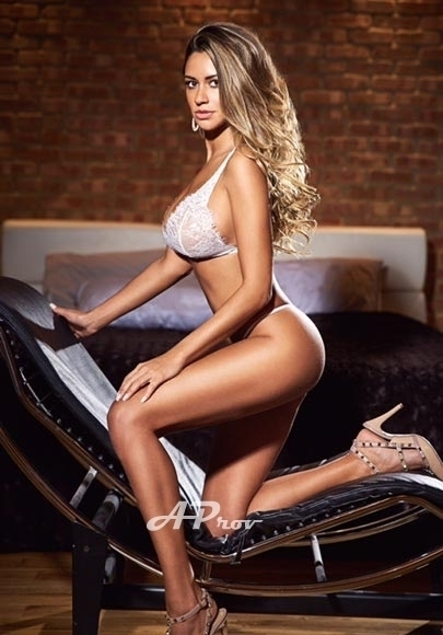 Busty London Escort Latin Brenda | Aprov Elite Agency