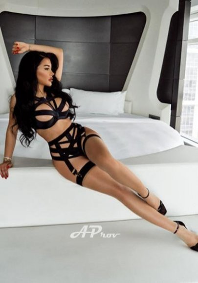 busty london escort elite girls top agency CAMY