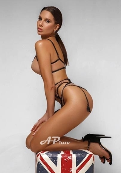 busty 34D london escort knightsbridge VIP GFE Alexa