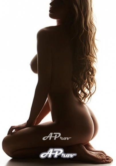 sexy blonde female escort girl in marble arch - Christie