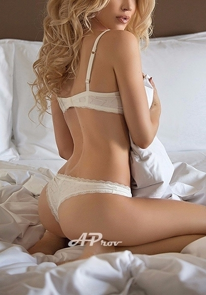 United Arab Emirates Dubai Blonde Escort Carolina