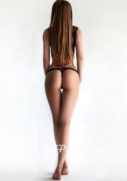 elite knightsbridge london escort model GFE Angelika