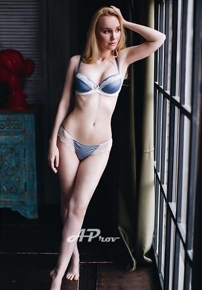 Exclusive Marble Arch W1 Teenage Model Elisa
