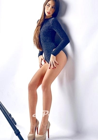 London Escort published model high end Alice - Aprov London Escorts Agency