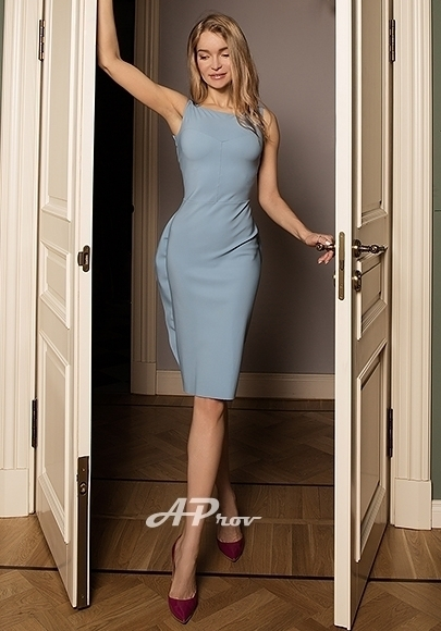 expensive escorts london mayfair W1 busty Veronika