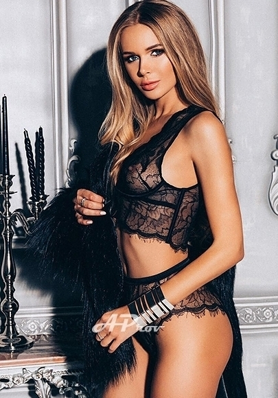 knightsbridge escorts VIP high class blonde girl Nika