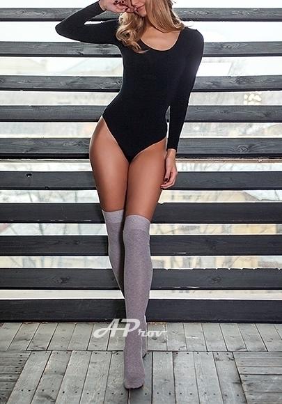 London Very Tall Slim Blonde Escort Liza
