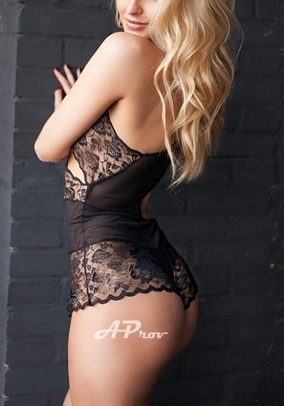 34C Blonde Sloane Westminster W1 London Escort Girl LIZA - Tall exclusive VIP model - only at AProv Agency