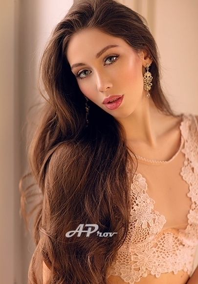London Skinny Tall Brunette Russian Model Escort Alice