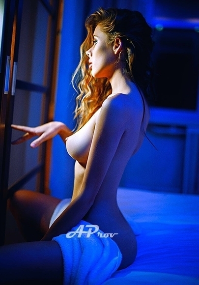 London High Class Skinny Russian Escort Jules