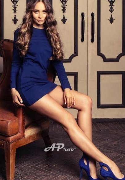 elite high class mayfair escort girl 32C VITA