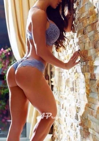 busty spanish athletic pimlico escort Isabella