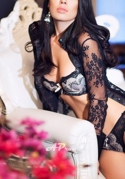 London Slim Athletic Russian Brunette Escort Lana