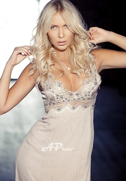 High Class Slim Blonde London Escort Anastasia