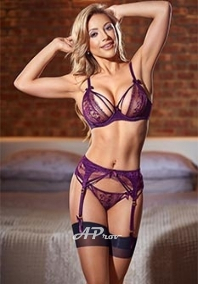 london escorts in Earls Court busty latin girl