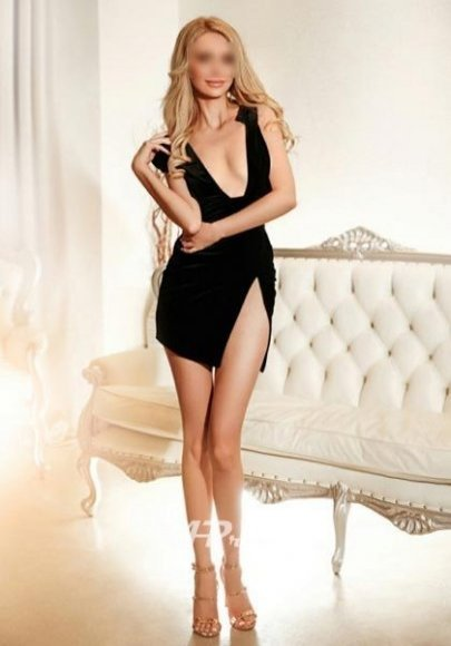 tall busty blonde girl london escort mayfair w1 Belen