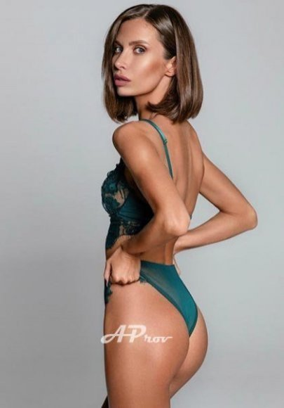 elite london escorts fashion model south kensington MIA