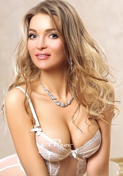 expensive escorts london mayfair W1 busty Veronika
