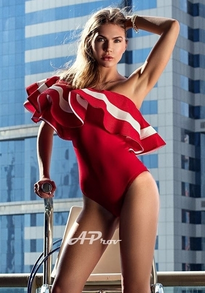 London Lovely Slim Tall Escort Ivanna