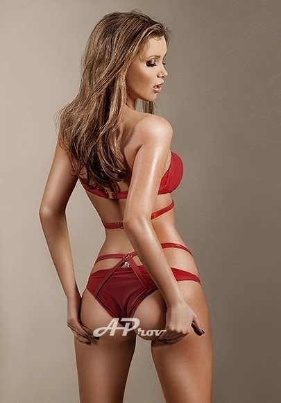 Tall Elite SW3 Escort Girl Knightsbridge Larissa - Aprov London Escorts Agency
