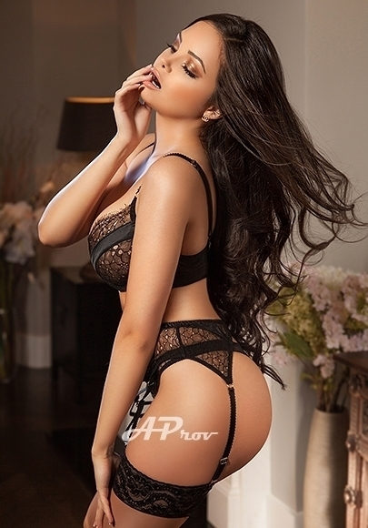 32C Busty Young Mayfair W1 GFE Gia Latin Girls Exclusive to Aprov Escort Agency