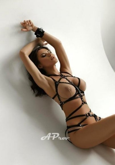 south kensington escorts london young girl INESSA