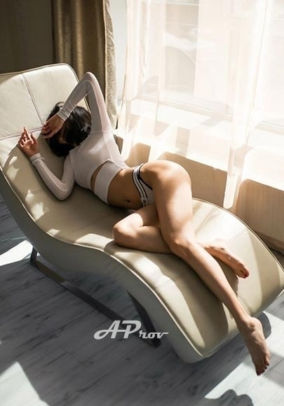 submissive GFE japanese asian london escort Akira