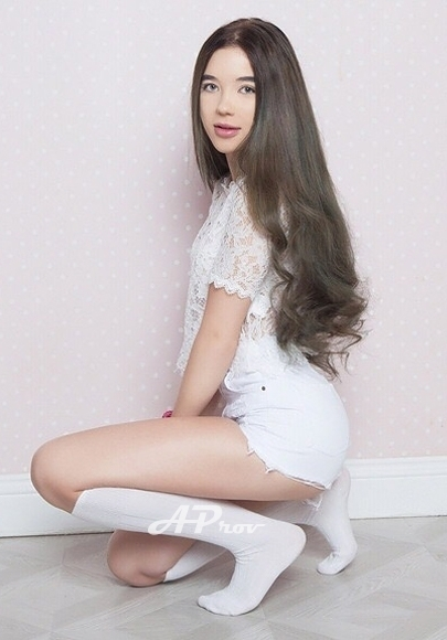 Teenage Young Brunette London Escort Patricia