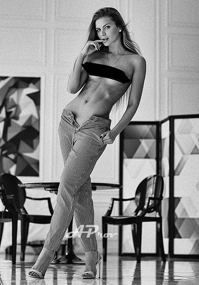 Marble Arch W1 Russian High Class Escort Anya expensive exclusive london call girl 32C