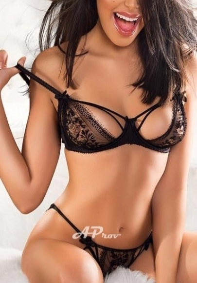 busty elite french escort girl in kensington London Stefany