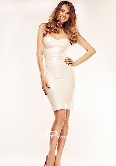 Tall Slim High Class South Kensington London Escort Catherine East European VIP girl