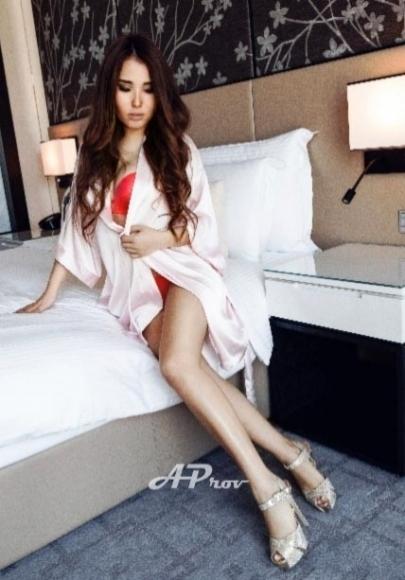 elite vip gfe female escort dinner date south kensington sw3 MILA