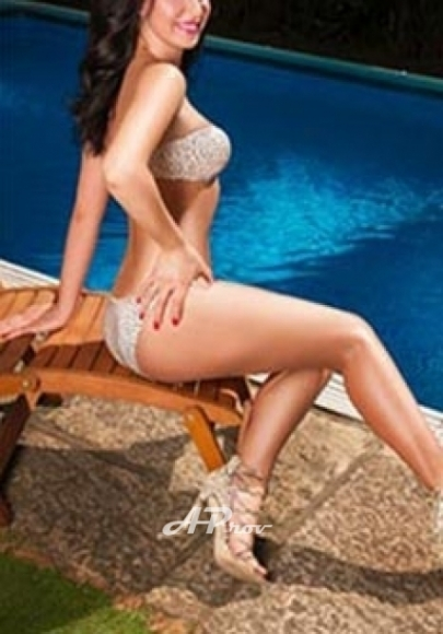 London Busty Hungarian Escort South Kensington SW3 Zara