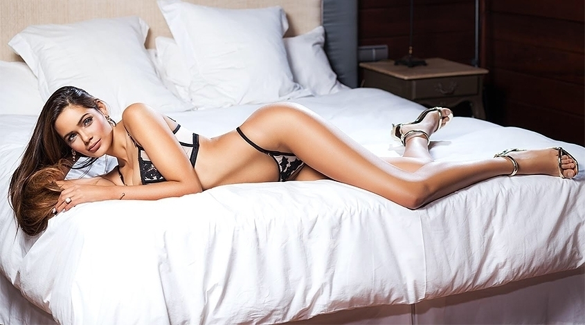busty latin 34C blonde escort in knightsbridge sw1 Marina