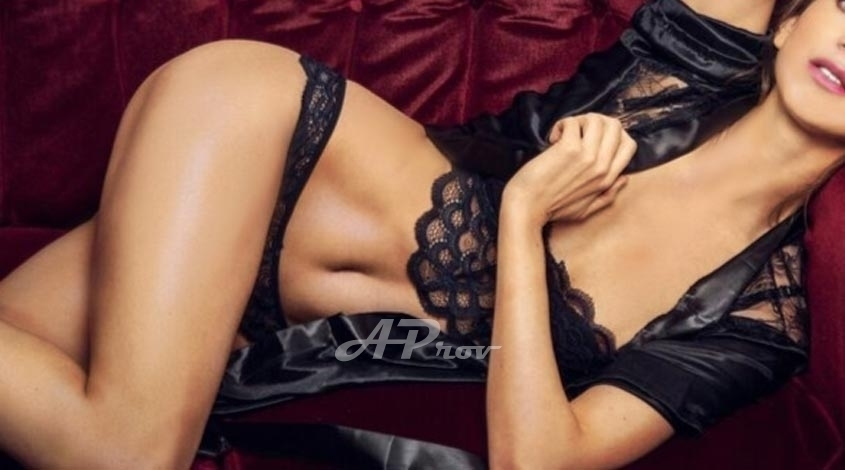 Tall Elite SW3 Escort Girl Knightsbridge Larissa - Aprov London Agency