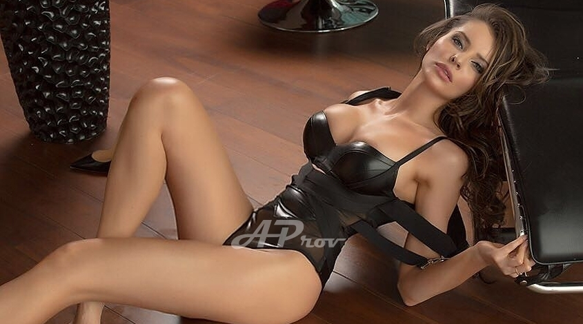 Mayfair London Tall Busty Slim Escort Viktoria